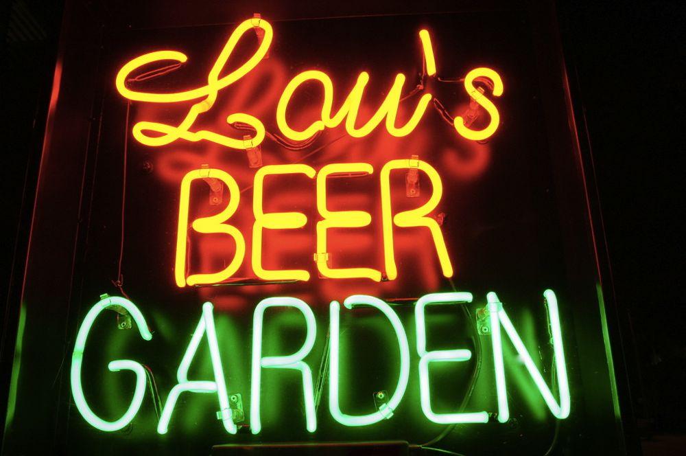 lou's beer garden